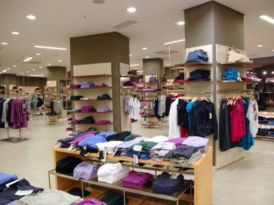temporary-store-benetton-foggia15