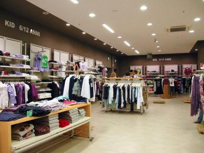 temporary-store-benetton-foggia2