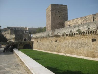castello-normanno-svevo1-bari